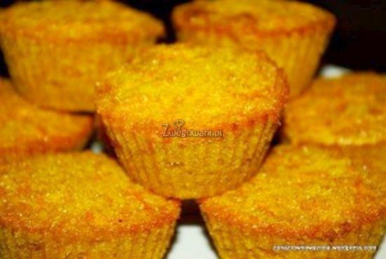 Bezglutenowe muffiny z dyni i kaszy kukurydzianej