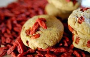Ciasteczka z jagodami goji i quinoa