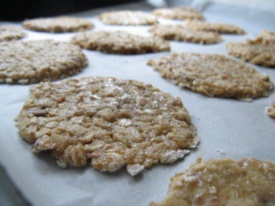 Ciasteczka owsiane przed pieczeniem