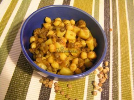 Gulasz z ciecierzycy i ziemniaków