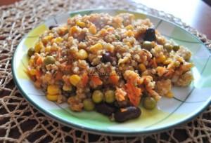 Gulasz z kotletami sojowymi i warzywami