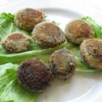 Kapelusiki z grzybów nadziewane farszem cebulowym