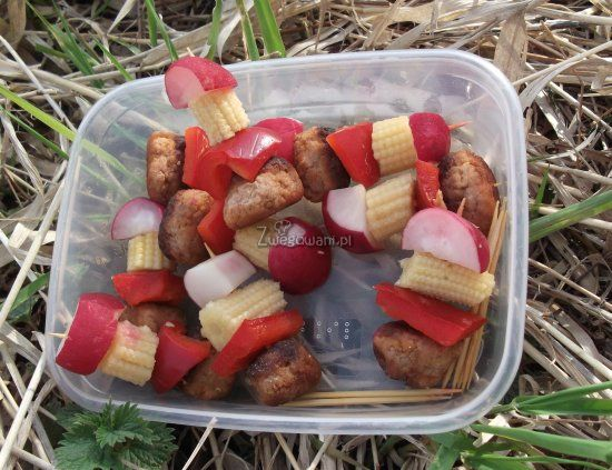 Koreczki piknikowe z rzodkiewką
