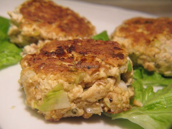 Kotlety ziołowe z tofu i płatkami owsianymi