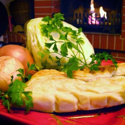 Kulebiak z ciastem francuskim i pieczarkami