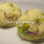 Ulepione kuleczki ziemniaczane przed smażeniem