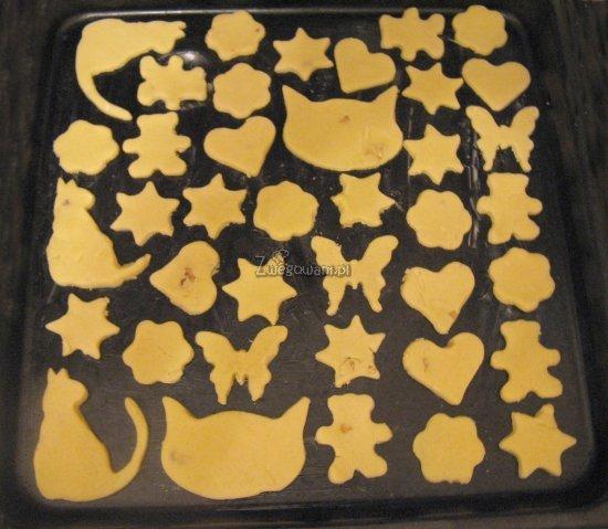 Maślane ciastka przed pieczeniem