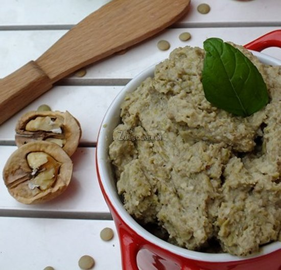 Pasta z zielonej soczewicy i orzechów włoskich