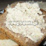 Pasztet z pieczarek na chlebie