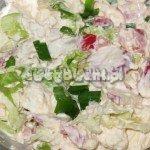 Farsz serowy z sałatą, kapustą i szczypiorkiem