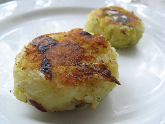 Gotowe placki z ziemniaków i białej kapusty