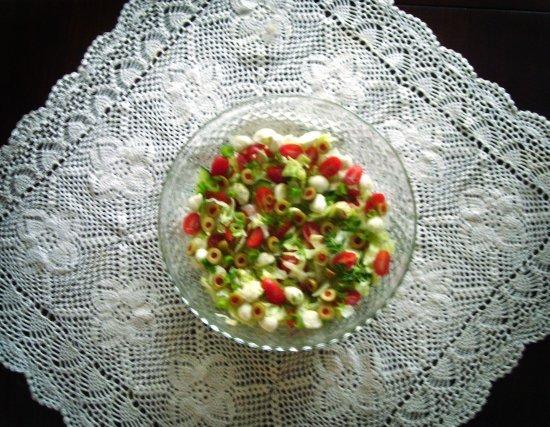 Sałatka grecka z serem mozzarella
