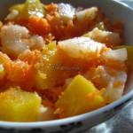 Sałatka marchewkowa z brzoskwinią i ananasem