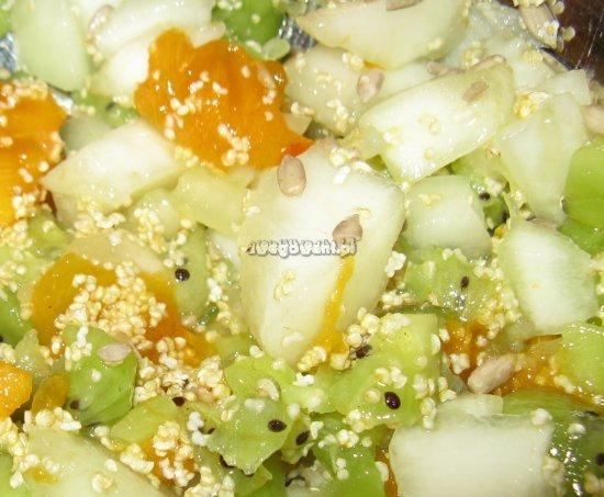 Sałatka owocowa z kiwi, melona i amarantusa