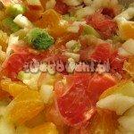 Sałatka owocowa z pomelo, awokado i jabłkiem