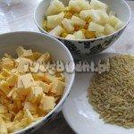 Sałatka z ananasem i kukurydzą - składniki