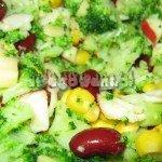 Sałatka z brokułami, fasolą i jabłkiem