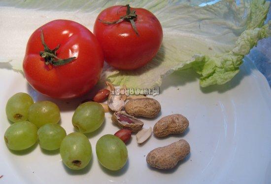 Sałatka z kapusty pekińskiej i winogron - składniki