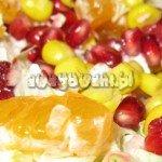 Sałatka z kukurydzą i truskawkami