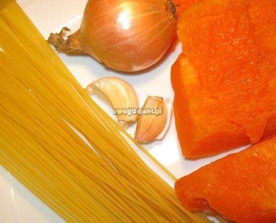 Spaghetti z sosem z dyni - składniki