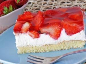 Tort truskawkowy bez mleka
