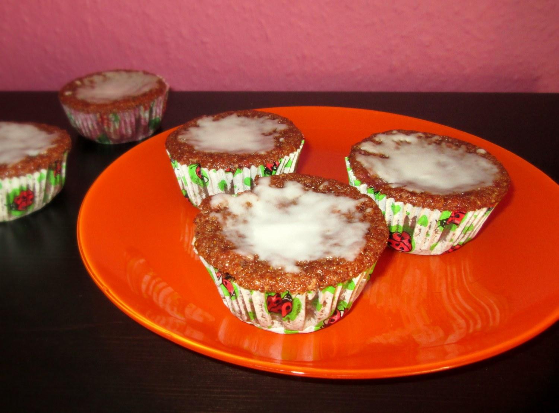 Wegańskie babeczki truskawkowe
