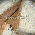 Zapiekanki przykryta wydrążonym pieczywem