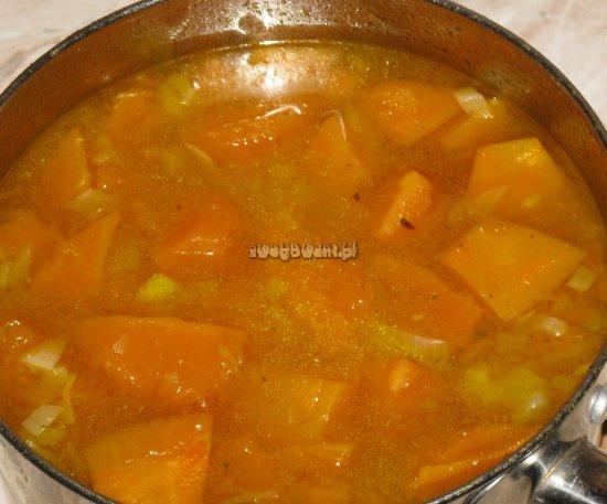 Zupa z dyni przed zmiksowaniem
