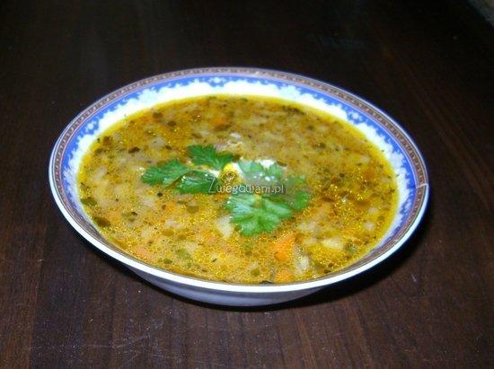 Zupa z włoskiej kapusty z pomidorami