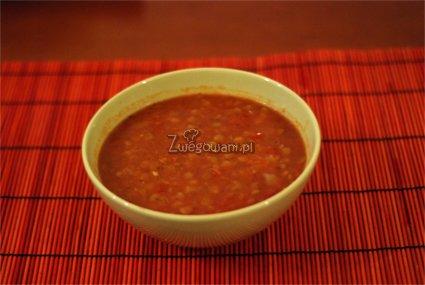Zupa z zielonej soczewicy z pomidorami