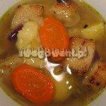 Zupa ziemniaczana z marchewką i grzankami